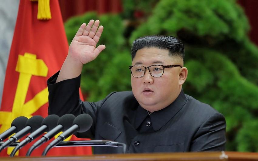 Kim Çen In Hərbi komitənin iclasını keçirdi