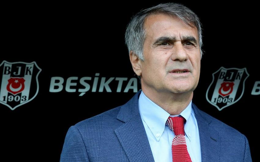 Beşiktaş klubu baş məşqçisi ilə müqaviləni uzadıb