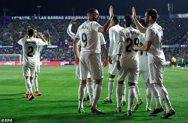 Реал обыграл Леванте благодаря двум голам с пенальти