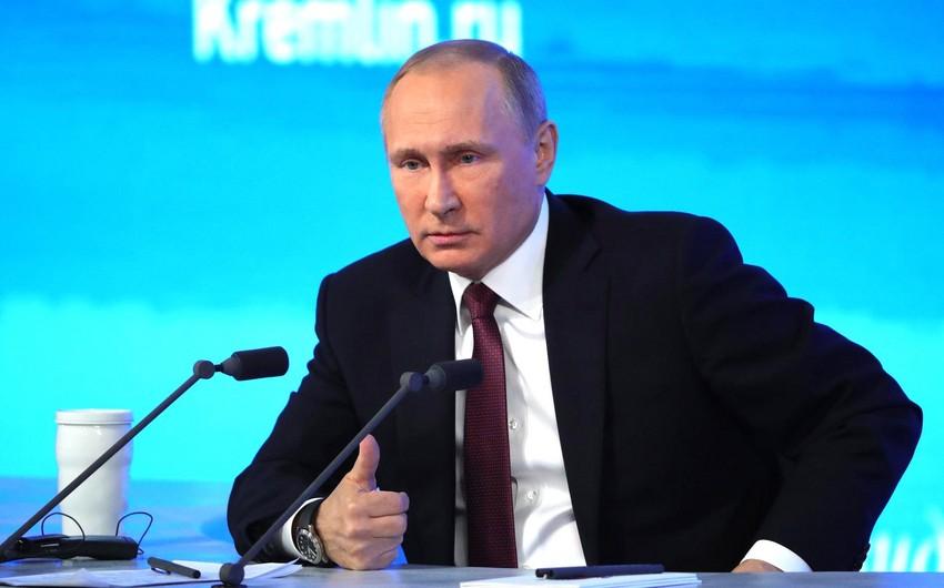Putin: Əfqanıstanda İŞİD və Talibanın qarşıdurması vəziyyəti pisləşdirir