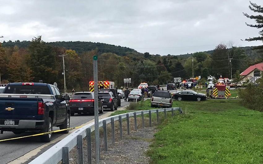 Nyu-Yorkda limuzinin qəzaya uğraması nəticəsində 20 nəfər ölüb