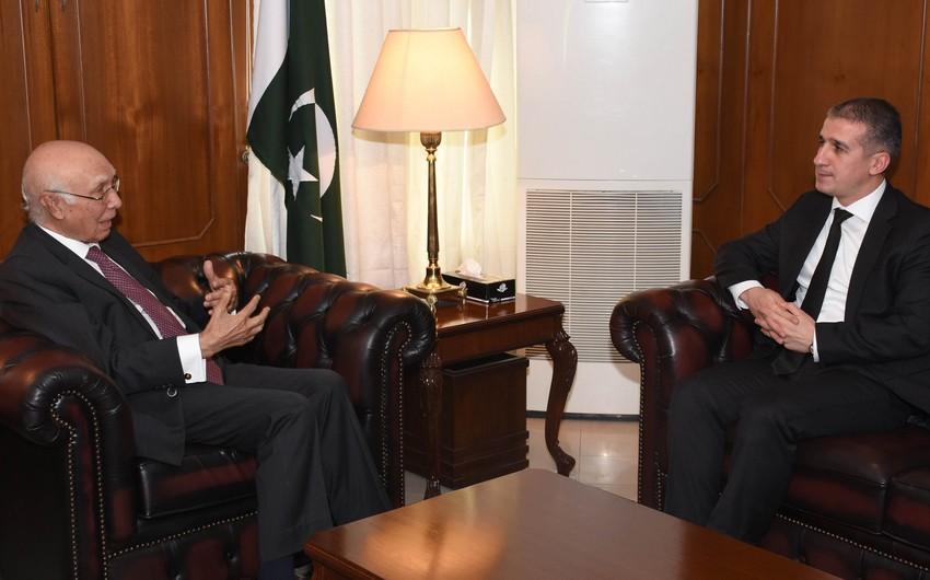Посол Азербайджана встретился с консультантом премьер-министра Пакистана по иностранным делам