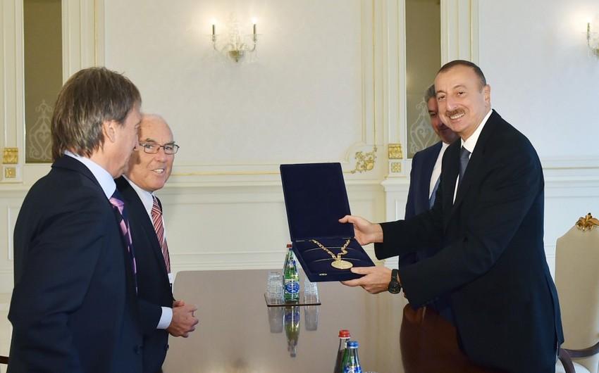 """Azərbaycan Prezidentinə Beynəlxalq """"Fair Play"""" Komitəsinin xüsusi medalı təqdim olunub"""