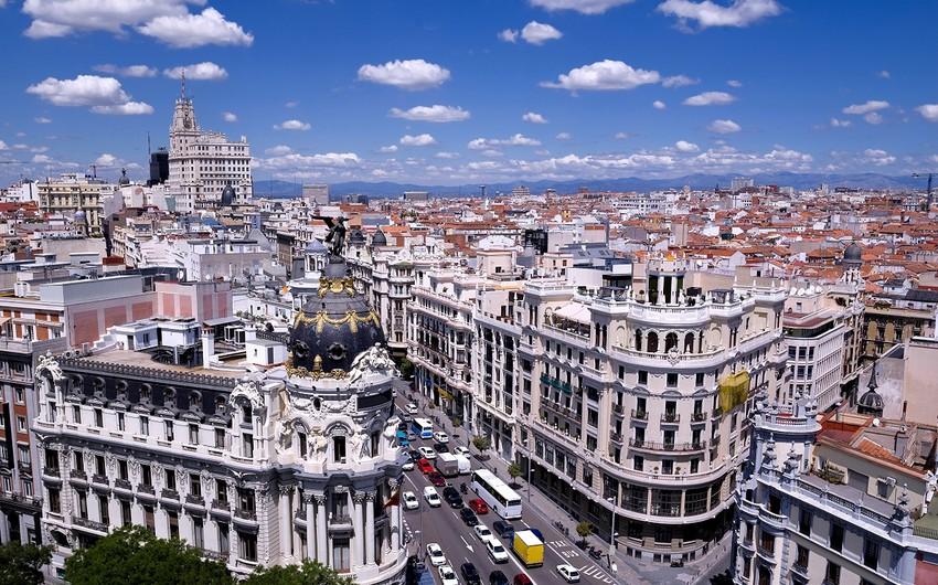 Madriddə afrikalı mühacirin ölümündən sonra kütləvi iğtişaş baş verib
