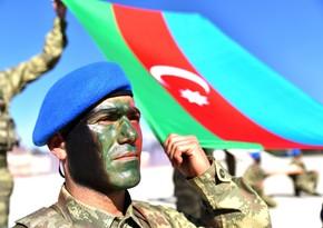 Azerbaijani servicemen complete course in Turkey