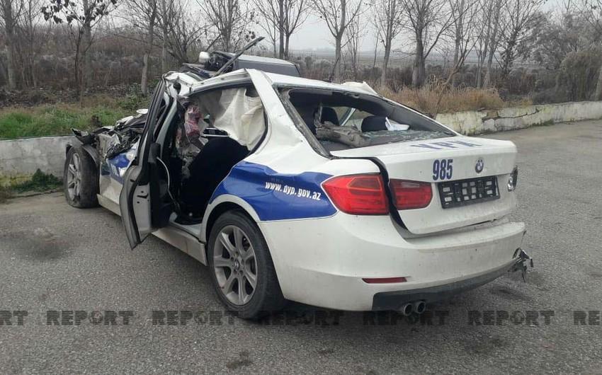 В аварии на трассе Баку-Газах пострадали двое полицейских