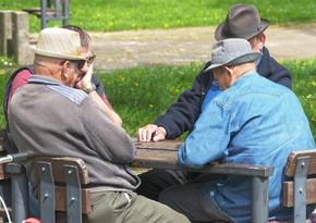 В Азербайджане лицам старше 65 лет рекомендовали не выходить из дома