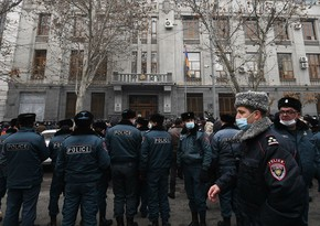 В Армении задержали подозреваемых в попытке захвата здания правительства
