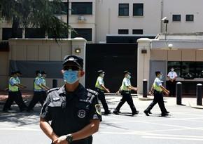 Çində kişi bıçaqla xəstəxanaya girərək insanlara hücum edib