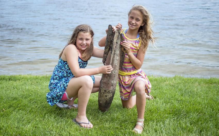 Miçiqan gölündə çimən 9-10 yaşlı qızlar müharibədən qalmış bomba tapıblar