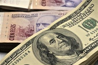 Argentina pesosu 43% devalvasiya olub