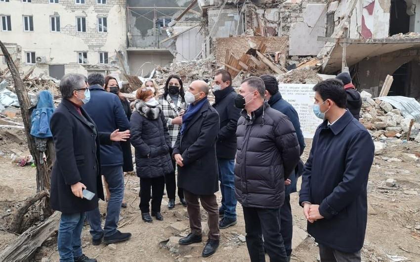 Итальянские депутаты ознакомились с военными преступлениями армян в Гяндже