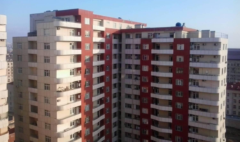 Цены на первичном рынке жилья Баку снизились