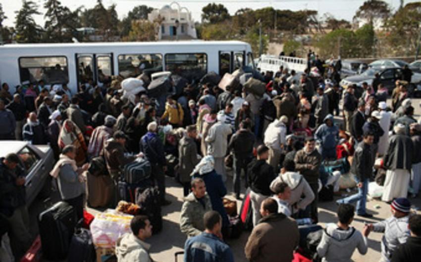 BMT: Sutka ərzində 5 mindən çox miqrant Yunanıstan vasitəsilə Makedoniyaya gəlib