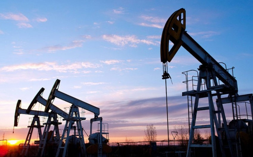 ABŞ-ın neft ehtiyatı rekord həddə çatıb