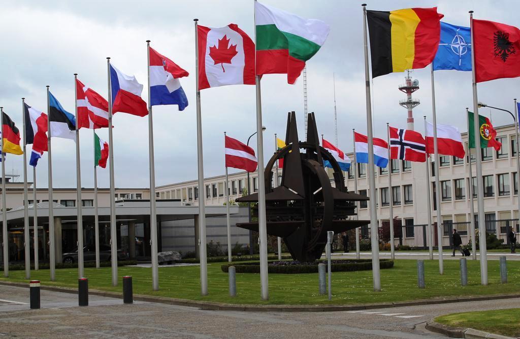 В Брюсселе cегодня открывается заседание министров иностранных дел НАТО