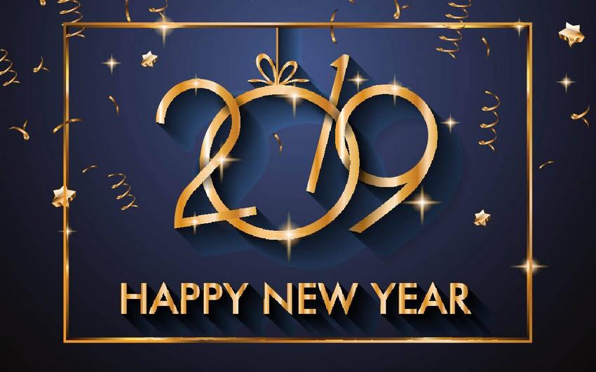 Все больше азербайджанцев хотят встретить Новый год дома - ИССЛЕДОВАНИЕ