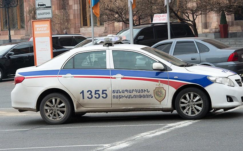 Ermənistanda ordu zabiti sərxoş vəziyyətdə avtomobil qəzası törədib, bir nəfər yaralanıb