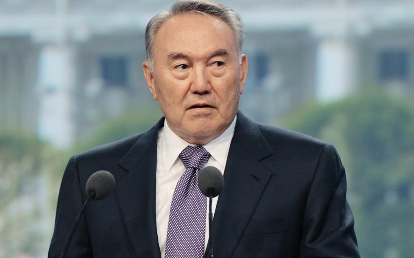 Qazaxıstan prezidenti əhalini Qərb məhsullarından imtina etməyə çağırıb