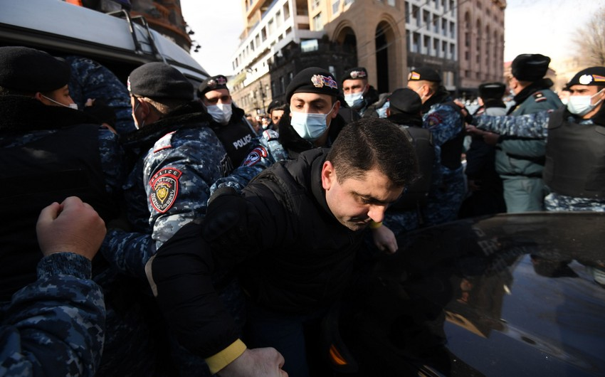Armenian opposition to take to squares today