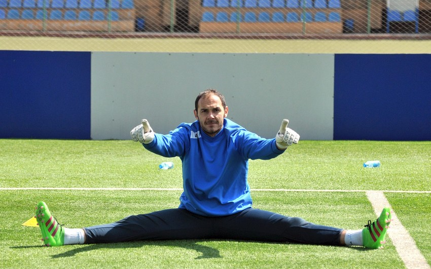 Goalkeeper Kamran Aghayev injured at the training