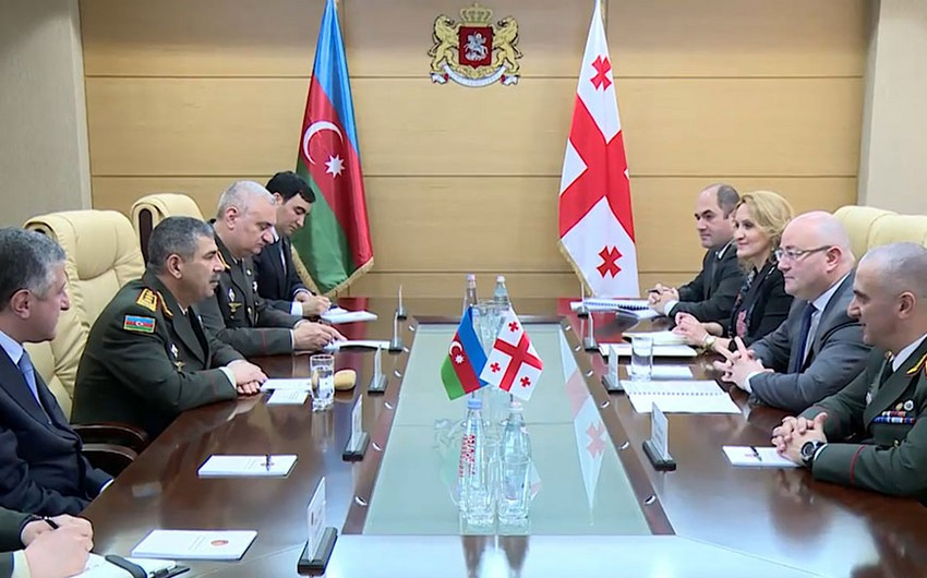 Azerbaijani and Georgian defense ministers hold a meeting