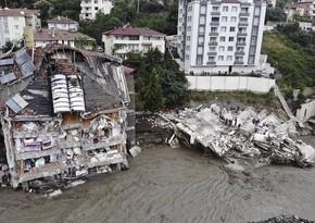 В Турции число погибших при наводнении увеличилось до 64