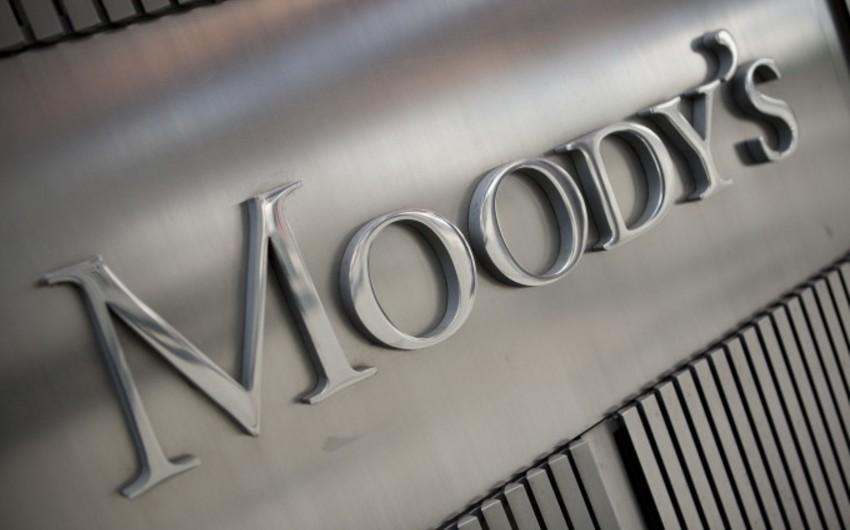 """""""Moody's"""" neftin qiymətlərinə orta müddətli perspektivdə təsir edəcək amilləri açıqlayıb"""