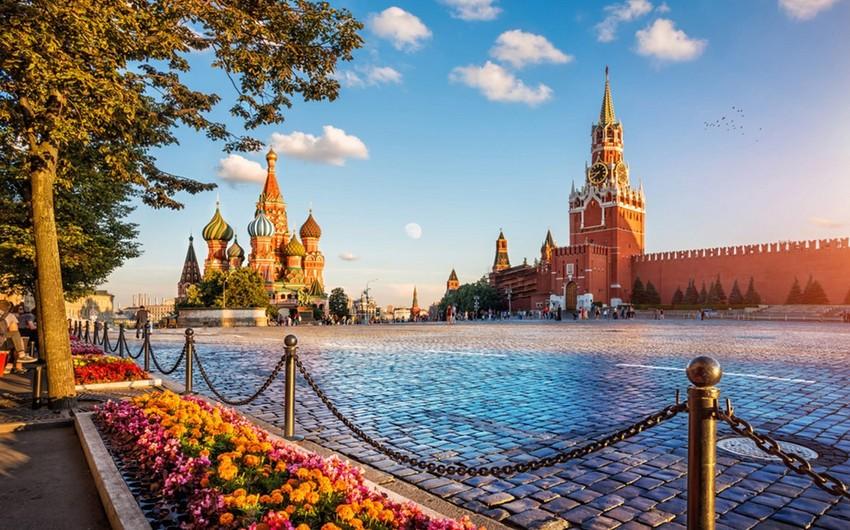 Российские политологи: Поездка сепаратистов - провокация, нацеленная на внесение раскола между Москвой и Баку