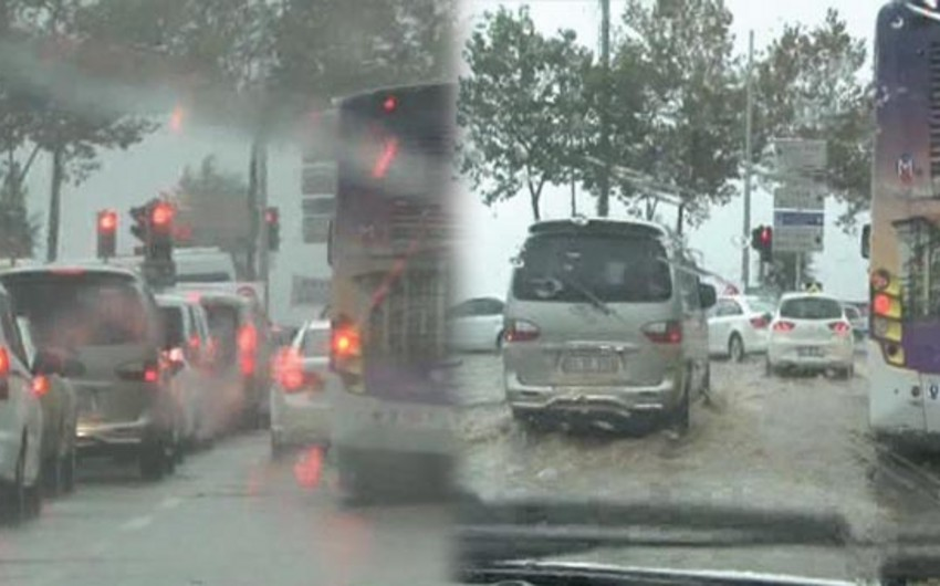 İstanbulda yağış həyatı iflic edib - FOTO