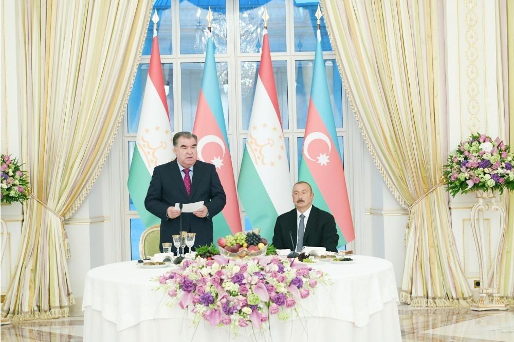 Эмомали Рахмон: Мы радуемся успехам Азербайджана