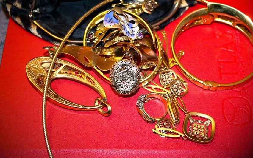 Bakıda mağazadan qızıl-zinət əşyaları oğurlanıb