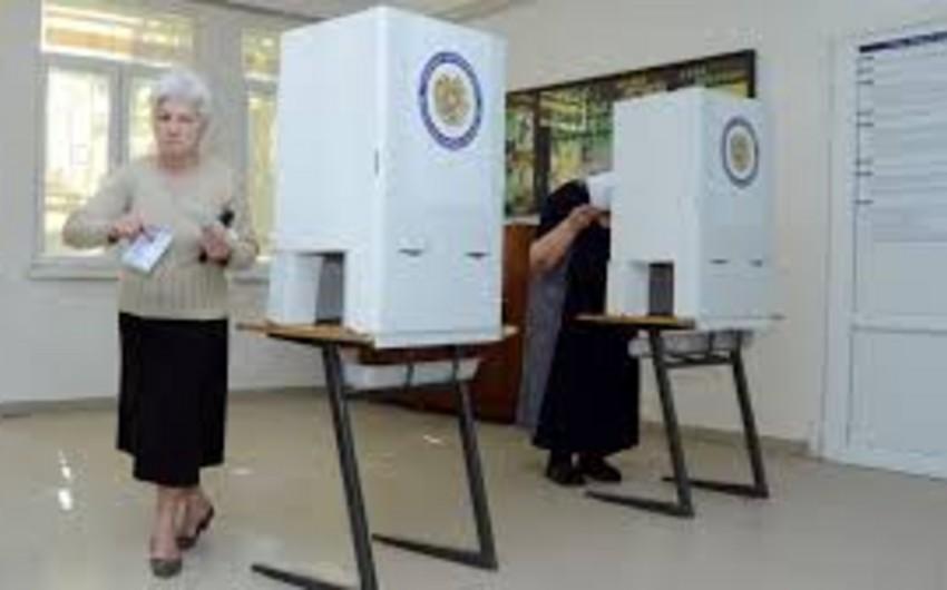 Ermənistanda konstitusiya düzəlişləri ilə bağlı referendum keçirilir