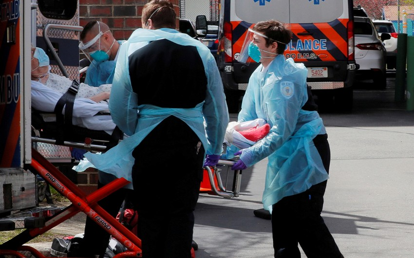 В США за сутки выявили почти 68 тысяч случаев COVID-19