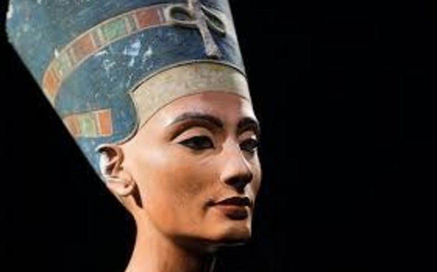 Researchers recreate the perfume of Egyptian queen Cleopatra