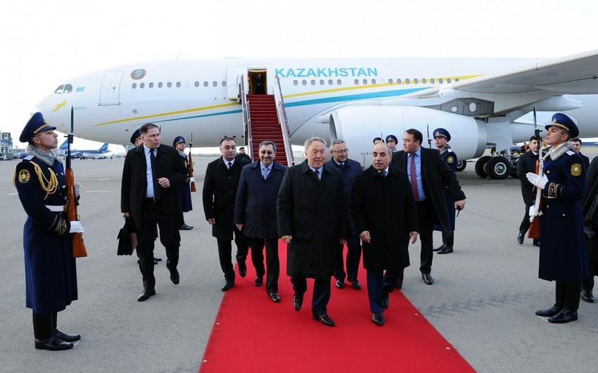 Qazaxıstan prezidenti Nursultan Nazarbayev Azərbaycana gəlib