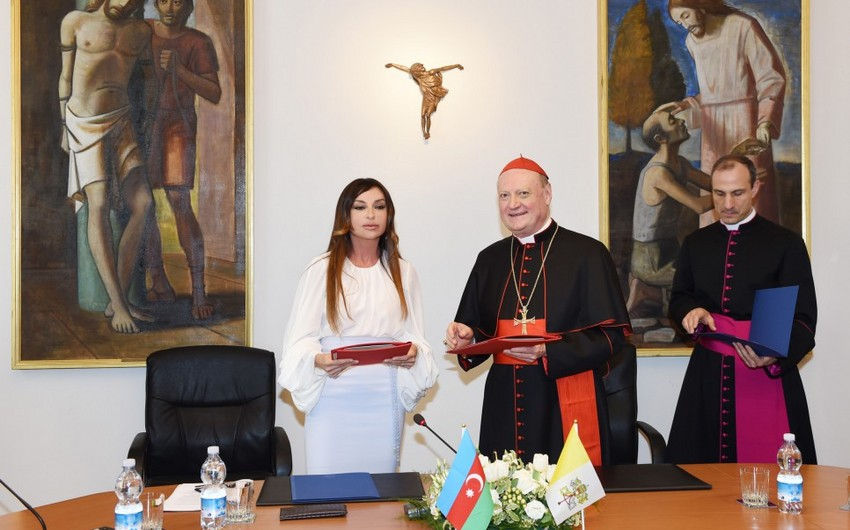 Azerbaijan's first lady visits Pius-Clementine Museum in Vatican, signs agreement for restoration of St. Sebastian Sarcophagi
