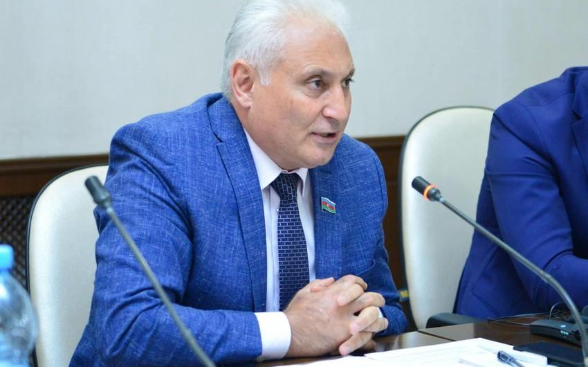 Deputat: Azərbaycanda köhnə məmur tipinin mövcud olması əsla mümkün deyil