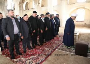Ağdam Cümə məscidində Allahşükür Paşazadənin imamətliyi ilə namaz qılınıb