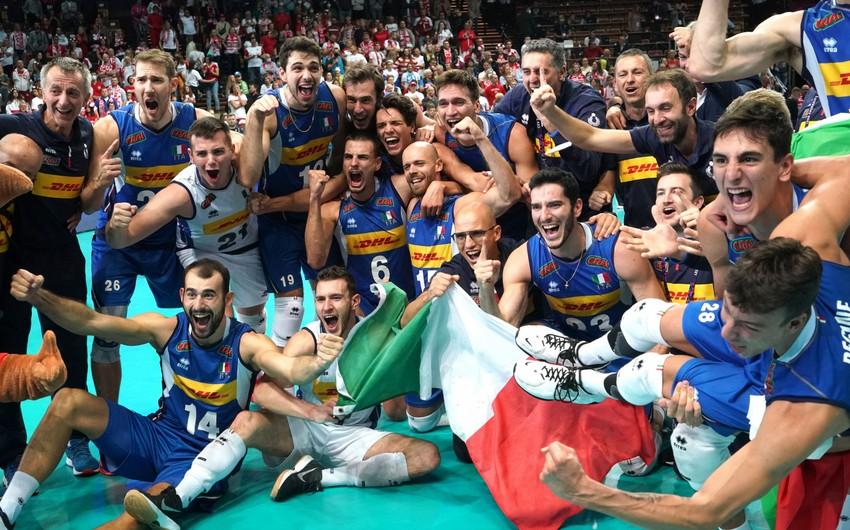 İtaliya eyni ildə futbol və voleybolda Avropa çempionluğu qazanan ilk ölkə olub