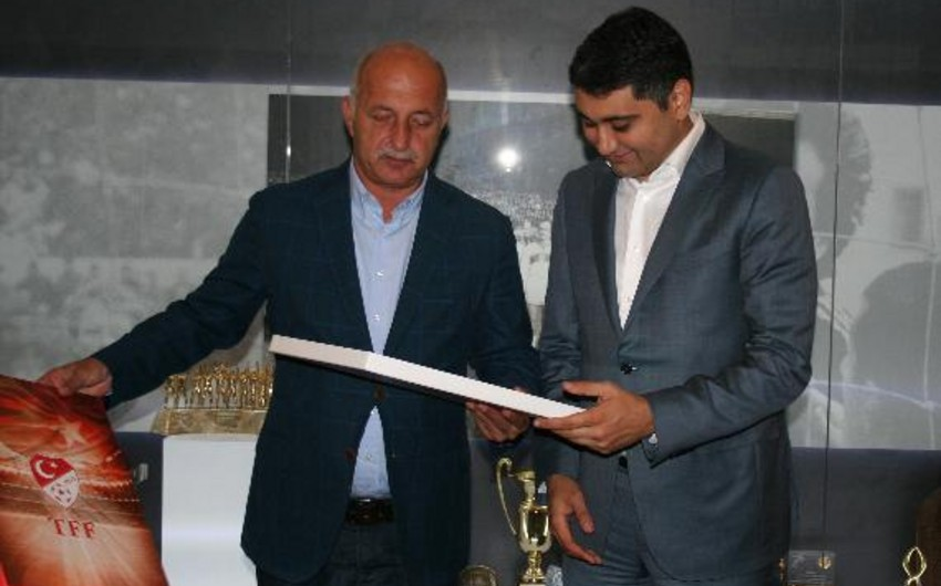 Генеральный директор SOCAR Turkey Energy побывал в Федерации футбола Турции