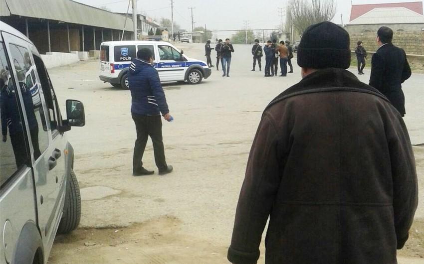 Polis Nardaran sakinindən silah və narkotik maddə götürüb