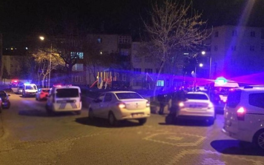 Türkiyədə gənc bacısını öldürüb, valideynlərini ağır yaralayıb