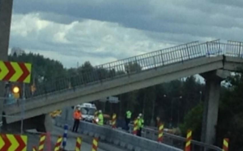 В Германии рухнул пешеходный мост