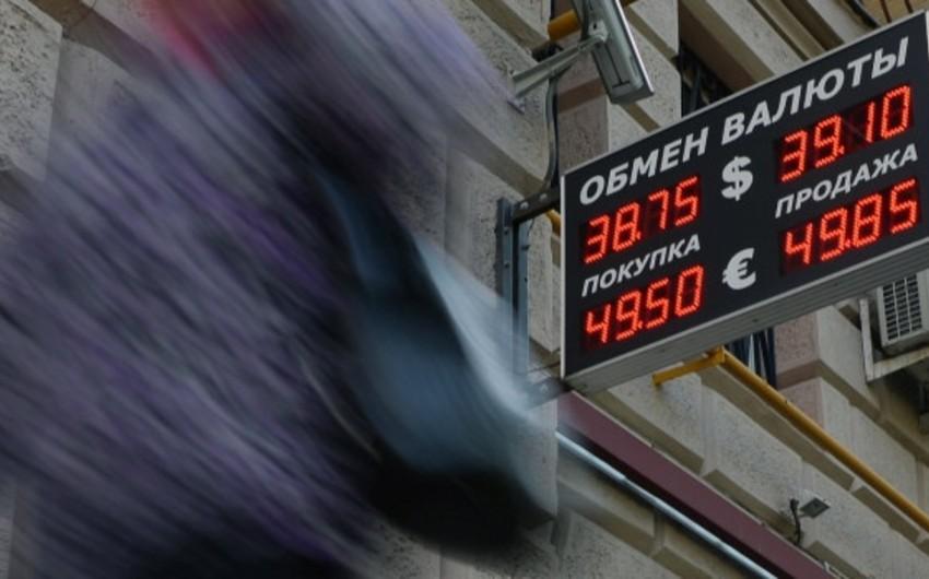 Rusiyada dolların bahalaşması davam edir