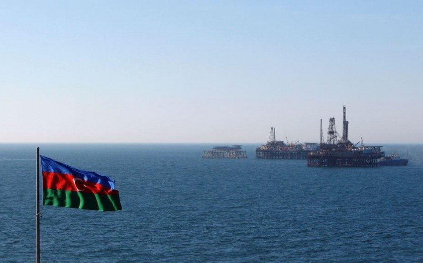 Azerbaijani oil price declines by 3%