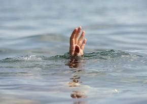 Bakıda su hovuzuna düşən azyaşlıların meyitləri tapıldı