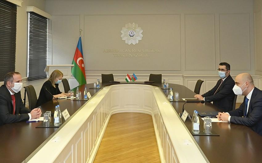 Azərbaycan Macarıstanla təhsil sahəsində əməkdaşlıq edəcək
