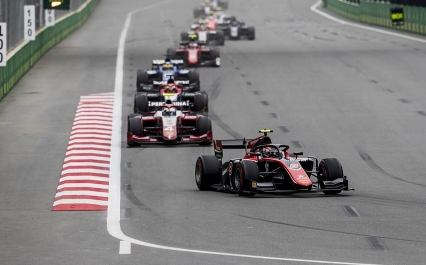 """Bakıda """"Formula 2 üzrə sərbəst yürüşə start verilib"""