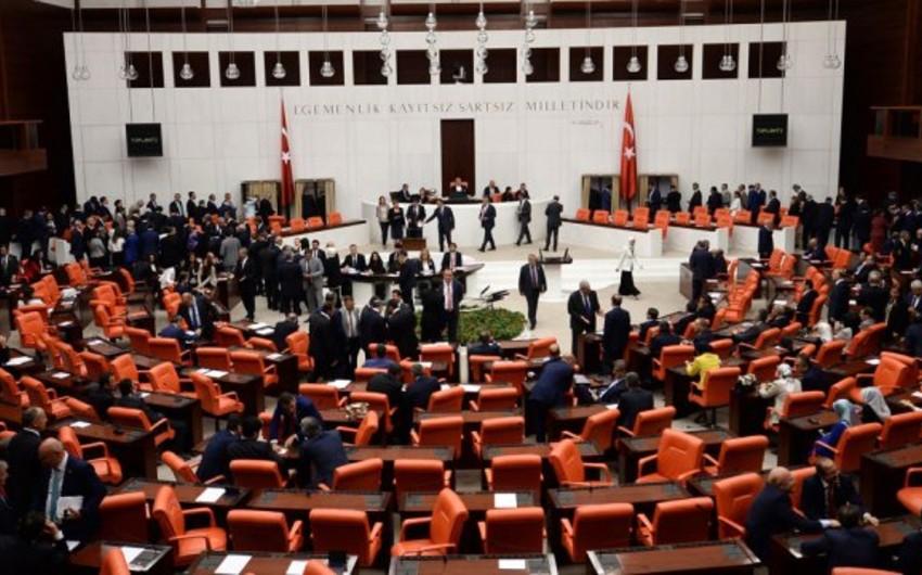 Türkiyənin yeni konstitusiyasını hazırlayan Uzlaşma Komissiyasında erməni də var